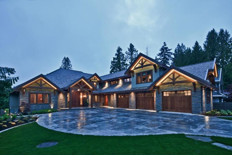 Traditional craftsman home featuring natural materials for Craftsman stone