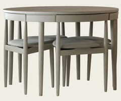 Round Table And Chairs Used