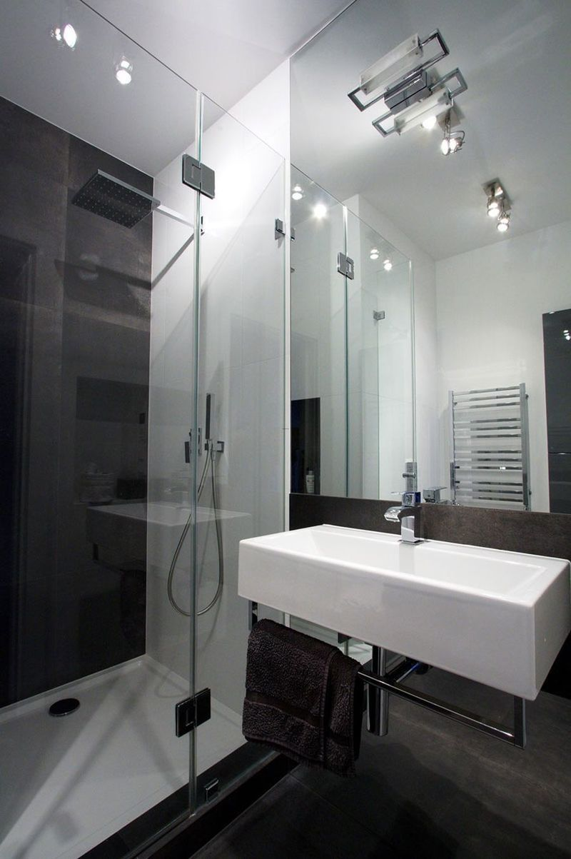 Bathroom design bookmark 21391 for Small bathrooms with showers only