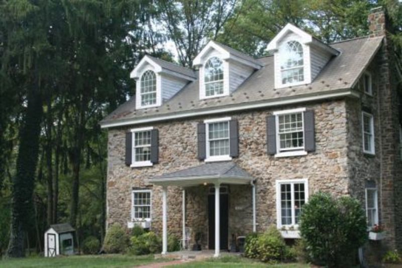 Bucks county real estate bucks county stone houses homes for Farmhouse style homes for sale