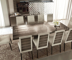 Dress Up Your Dinner Table With These Modern Dining Table Decor Ideas