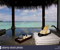 Water Bungalow, Open