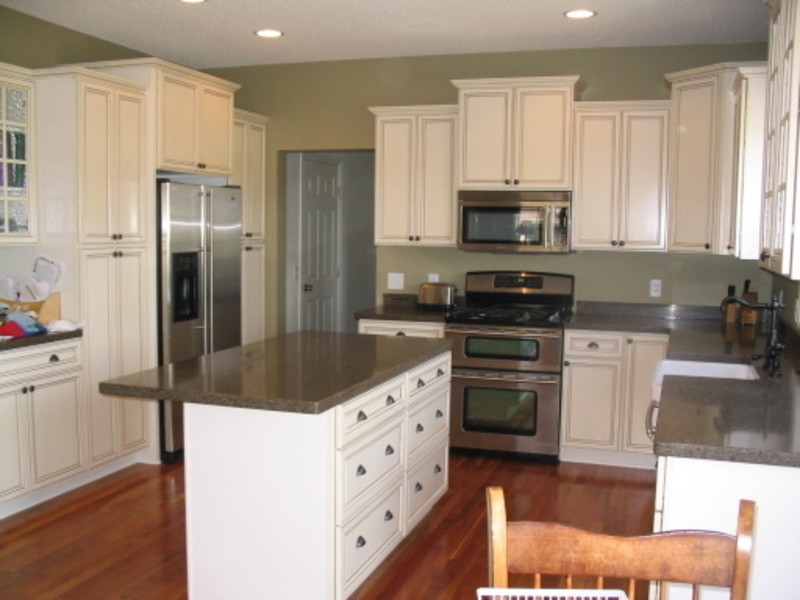 Sage Kitchen Walls With Cream Cabinets, Grey Kitchen Cabinets What Color Walls – Quicua.Com