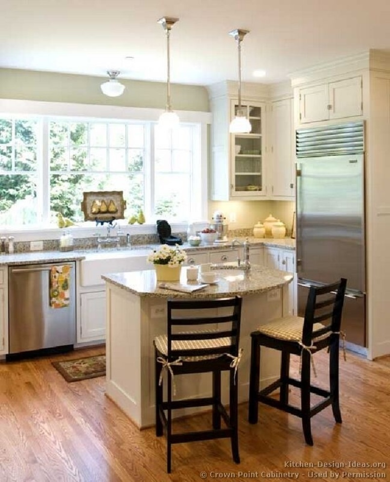 25 best ideas about small kitchen islands on pinterest for Small kitchen layout with island