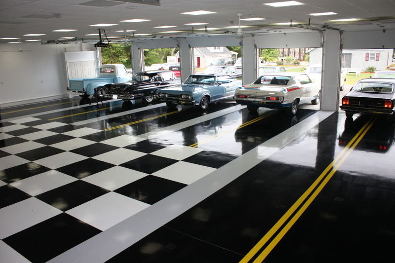 Dream Garage Interiors, Black & White, And Street Stripes....Classic Car Collector Garage Floor