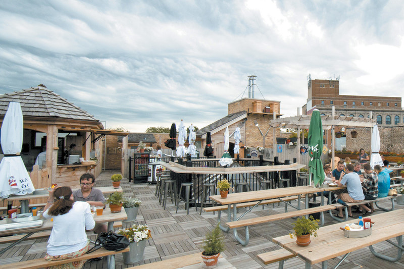 Rooftop, Best Rooftop Bars In Chicago For Outdoor Drinking And City Views